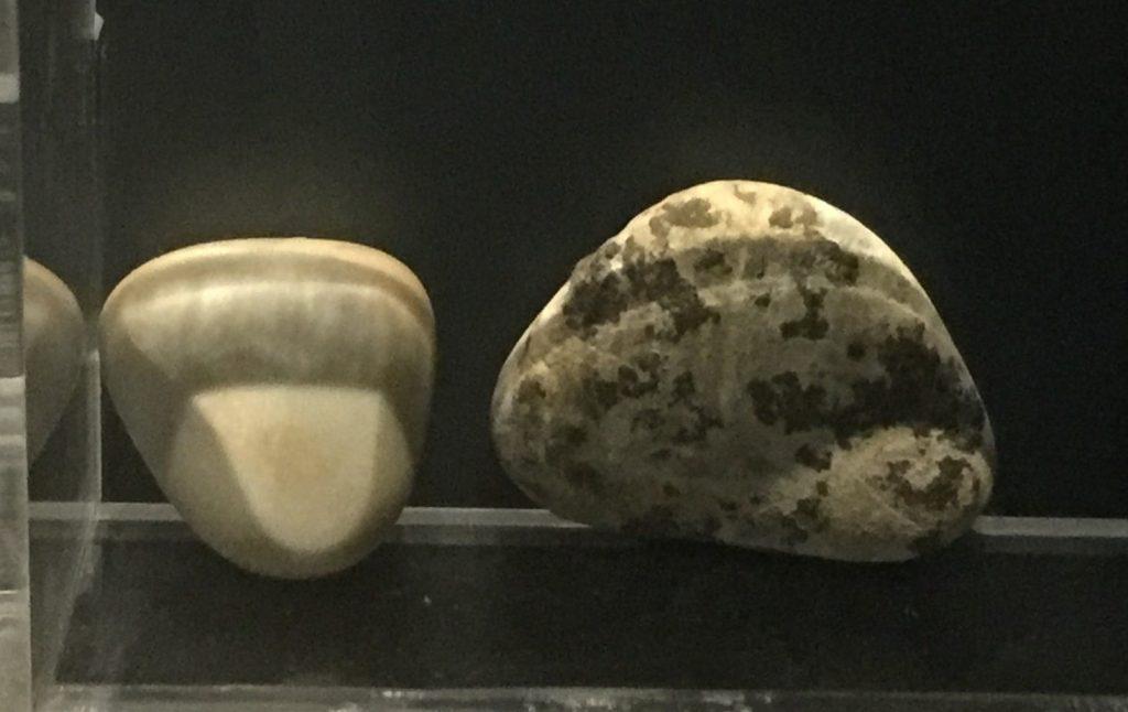 美石【3】-展示ホール3-天地は絶えず-金沙遺跡博物館-成都市
