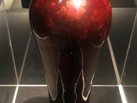 隱花梅瓶-宋西平-成都漆器【巧手奪天工-伝統工芸の現代再生】展-成都博物館