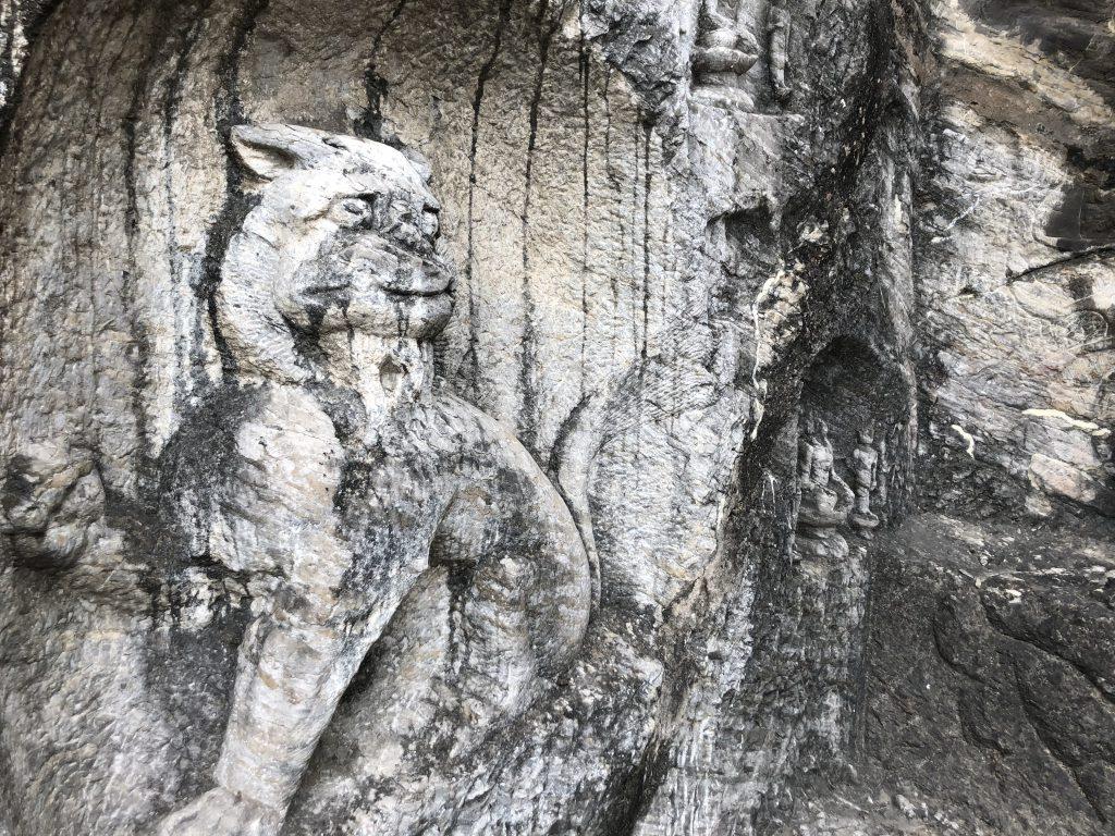 龍門石窟-洛陽市-河南省-撮影:張帆