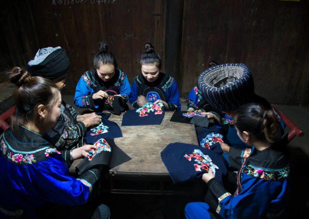 松桃苗繡-梵浄山-武陵山-松桃県-貴州省-写真提供:石麗平