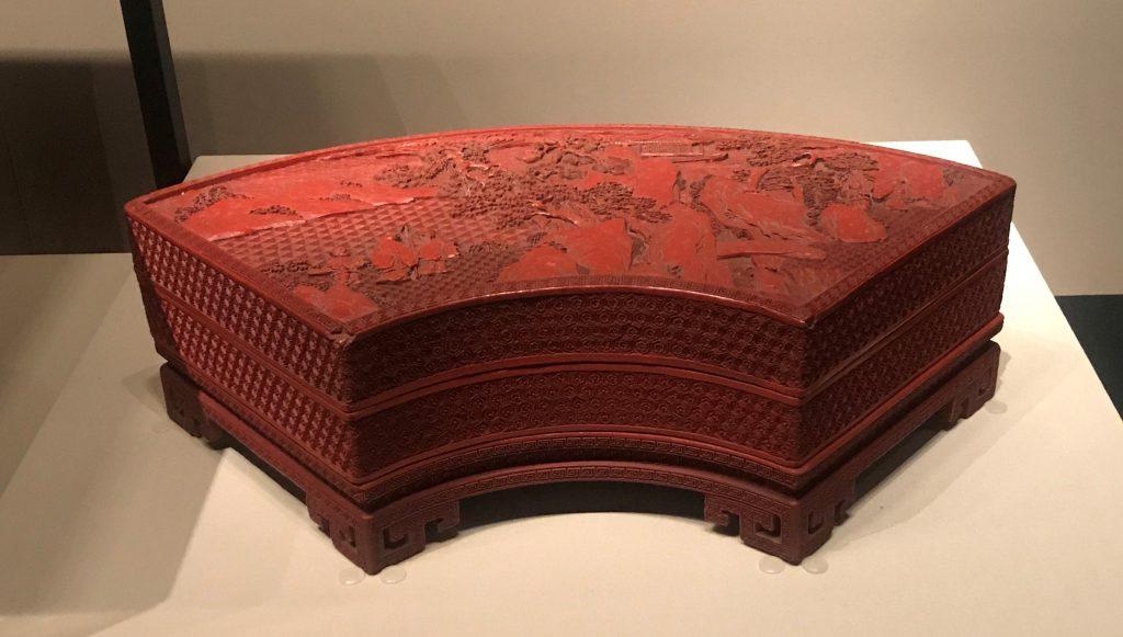 清中期・剔紅山水人物図扇面式攢盒-重華宮-【重華宮へ入り】巡回展-成都博物館