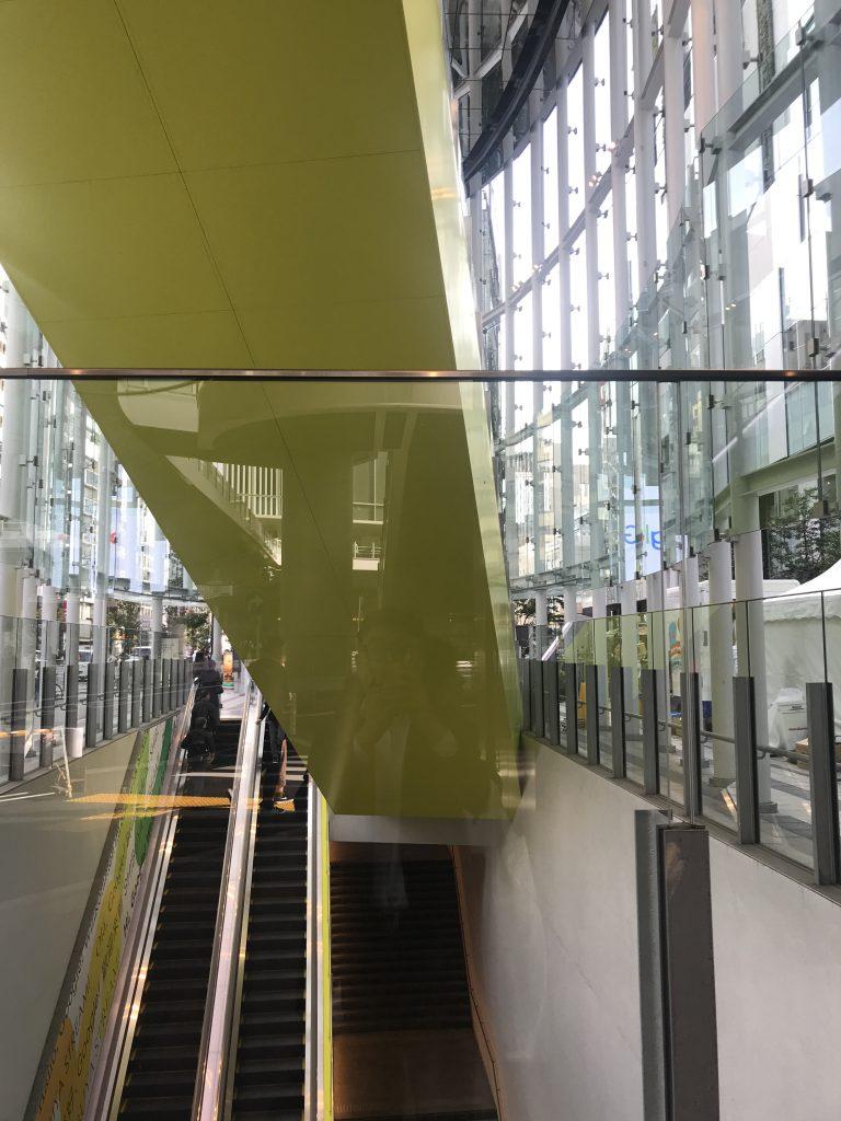 曲線と直線・人間と環境-渋谷駅-東京