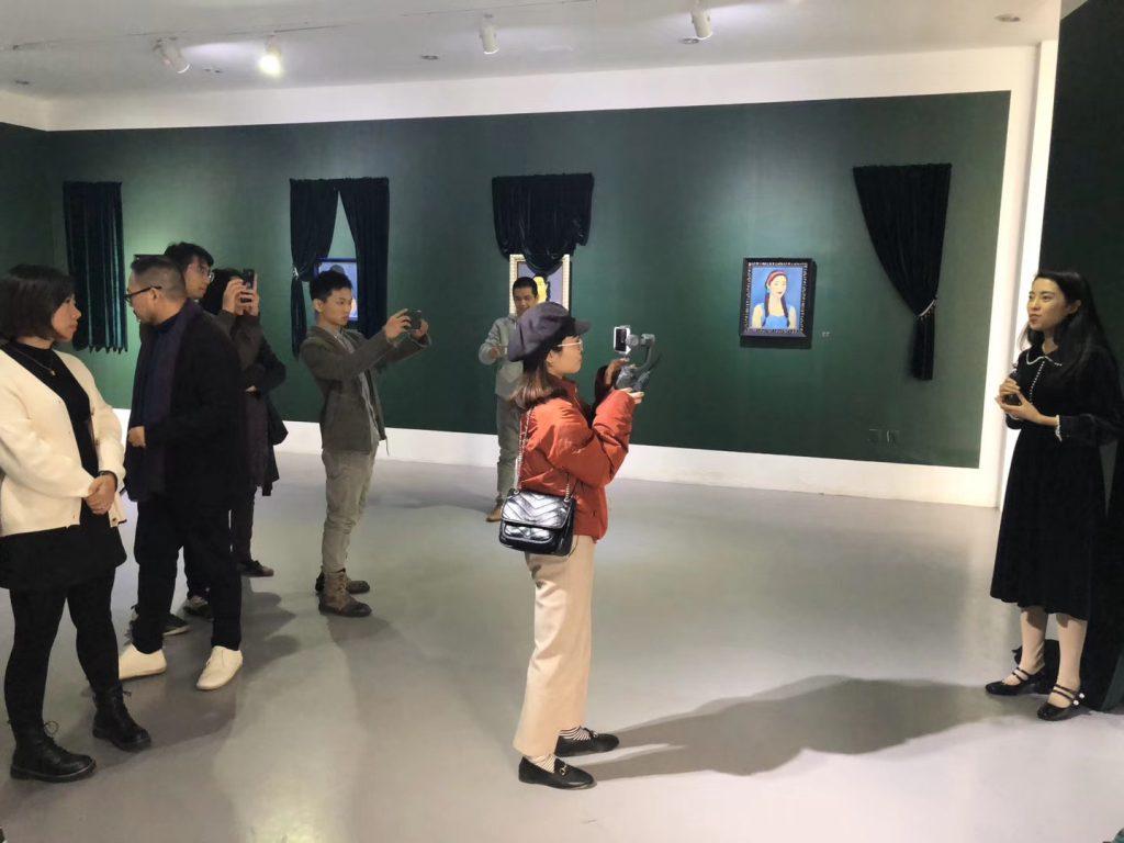 開幕式-面膜-張秋媚肖像展-FACIAL MASK-北京798芸術区第零空間-写真提供:段延安