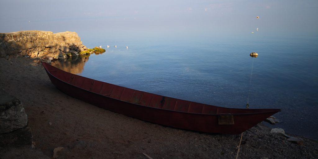 撫仙湖の小船-玉溪市-雲南省-撮影:陳英