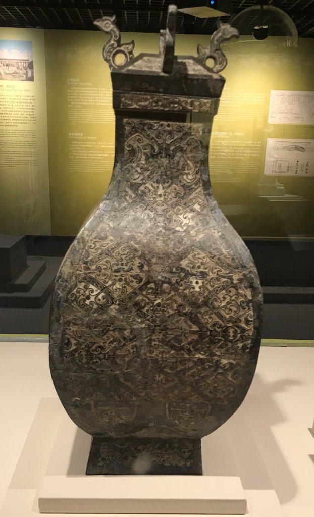 錯銀雲紋銅方壺-Marble Statue of Hera-特別展【彩絵地中海-PAESTUM-一つ古城の文明と幻想】-四川博物院