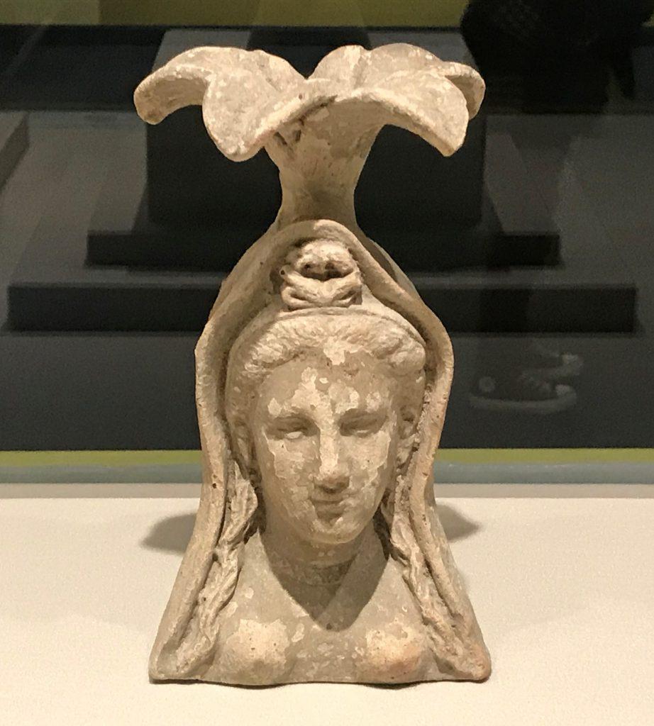 頭戴花飾女性陶塑-Terracotta Bust of Flower-woman-【彩絵地中海-PAESTUM-一つ古城の文明と幻想】-四川博物院