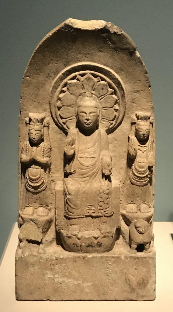 彌勒三尊像-北周-和韻同光-特別展【映世菩提】成都博物館