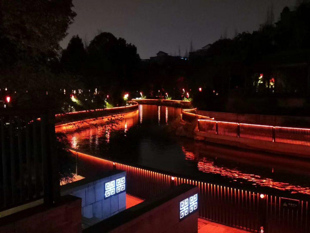 夜の杜甫千詩碑-浣花溪公園-成都杜甫草堂博物館-撮影:盧丁