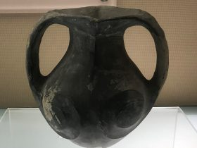 双耳黒陶罐-西漢時代-茂県城関鎮石棺墓-陶瓷館-陶磁館-四川博物院-成都