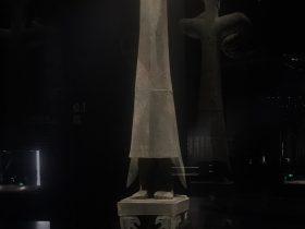 銅立人像-二号祭祀坑-総合館-三星堆博物館-広漢市-徳陽市-四川省