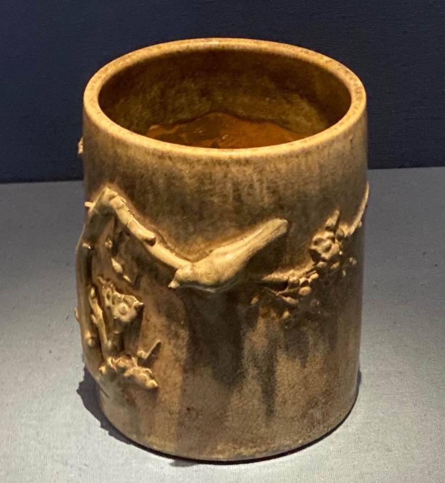醬釉梅鵲紋筆筒-明清時代-常設展F3-成都博物館