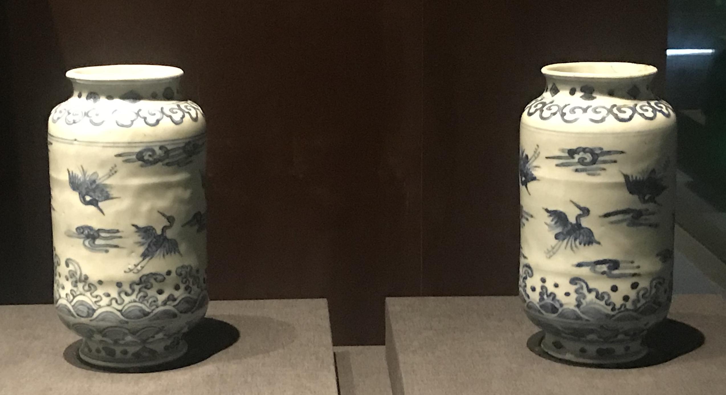 青花海水鶴紋磁瓶-明清時代-常設展F3-成都博物館