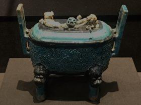 琺華堆塑獅紋帯蓋磁爐-明清時代-常設展F3-成都博物館