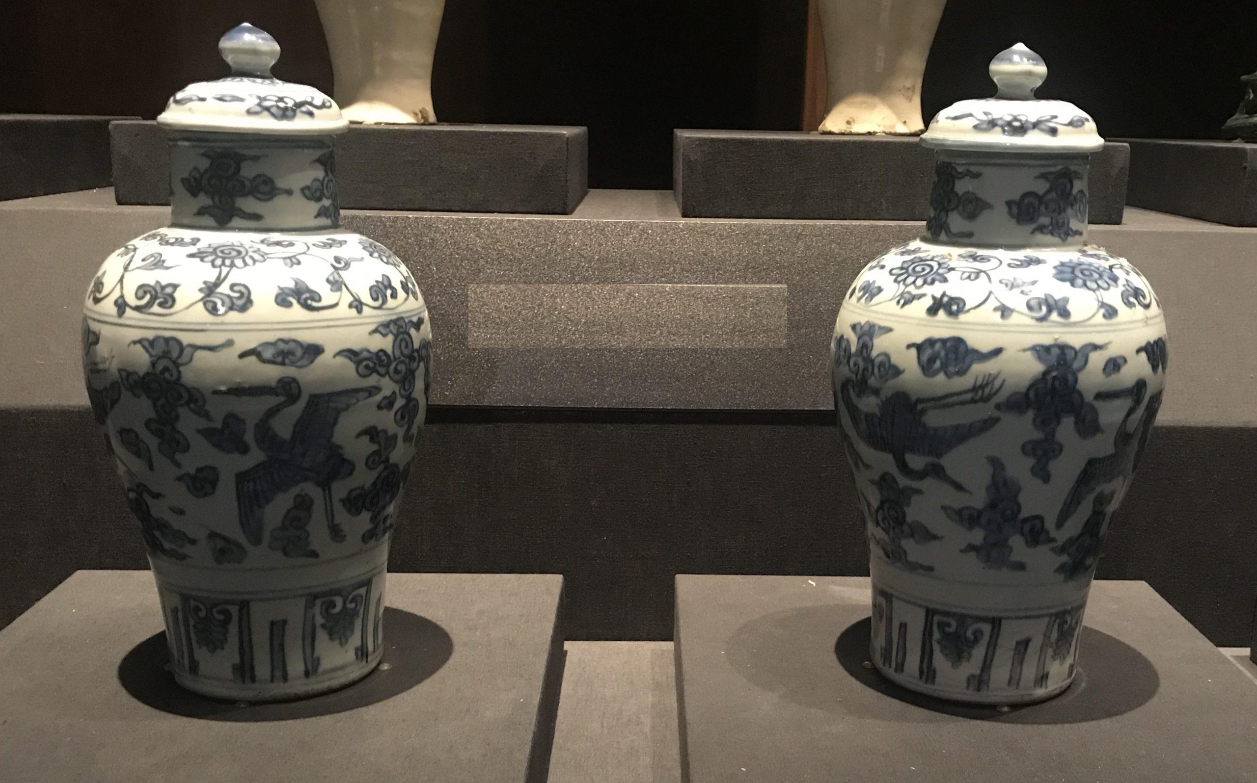 青花雲鶴紋帯蓋磁瓶-明清時代-常設展F3-成都博物館