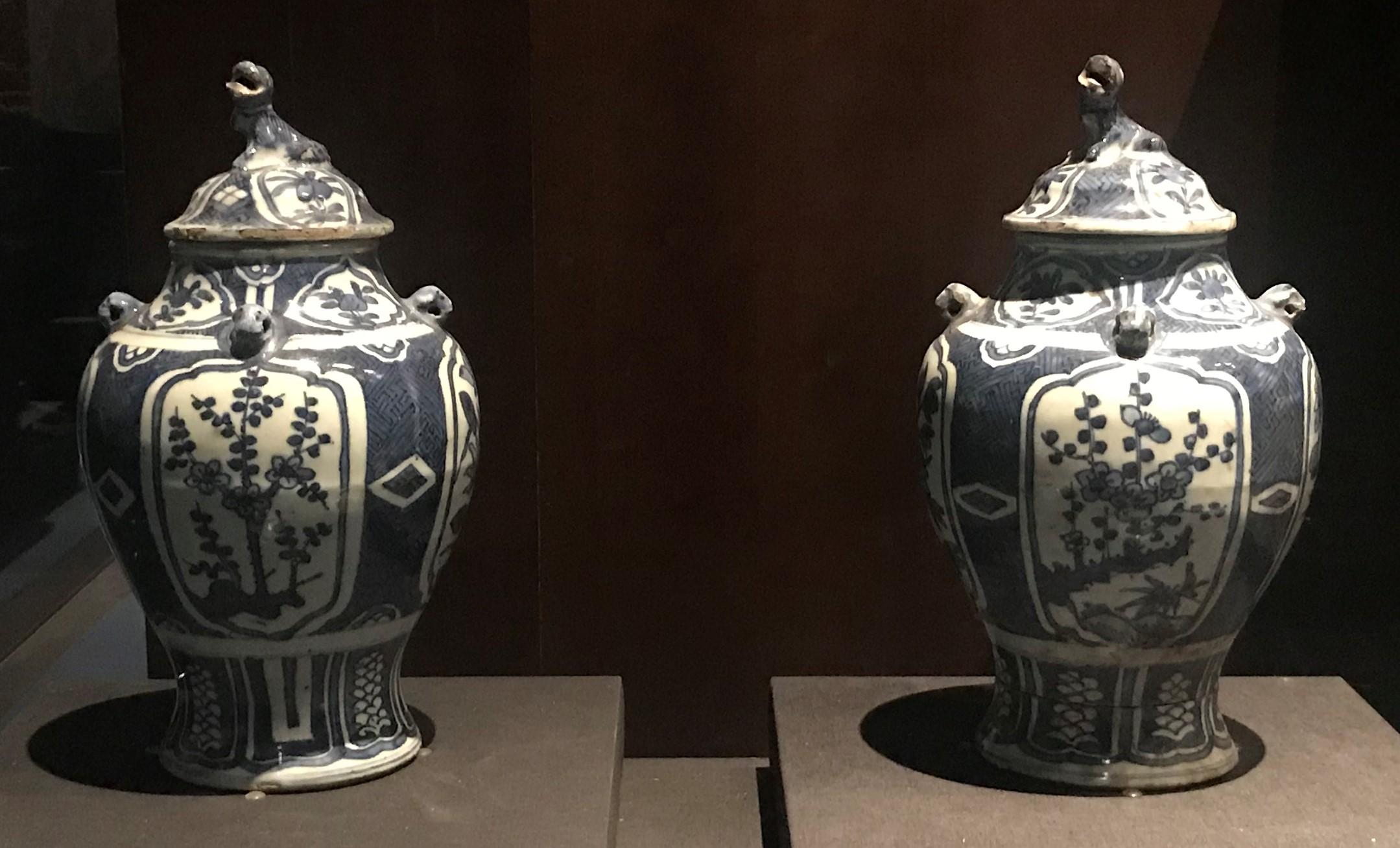 青花四季花卉紋帯蓋磁罐-明清時代-常設展F3-成都博物館