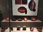 鳥紋漆木耳杯-漆木盤-弓漆木耳杯-円形漆木盒-獣面漆木机足-两漢魏晋南北朝-常設展F2-成都博物館