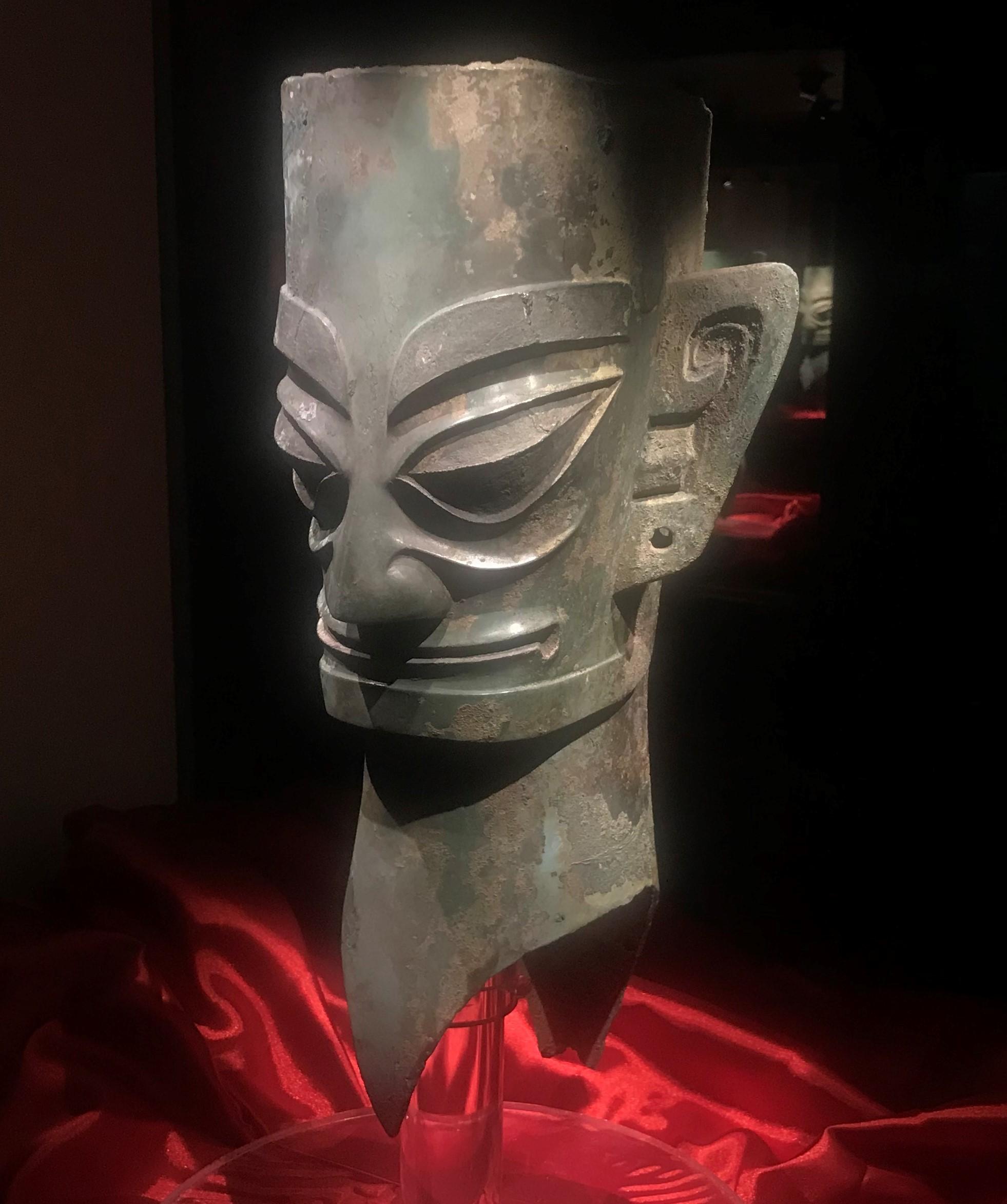 青銅人頭像2-青銅器館-三星堆博物館-広漢市-徳陽市-四川省