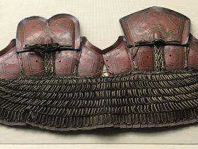 彩繪朱漆皮鎧甲-彜族漆器-四川民族文物館-四川博物館-成都