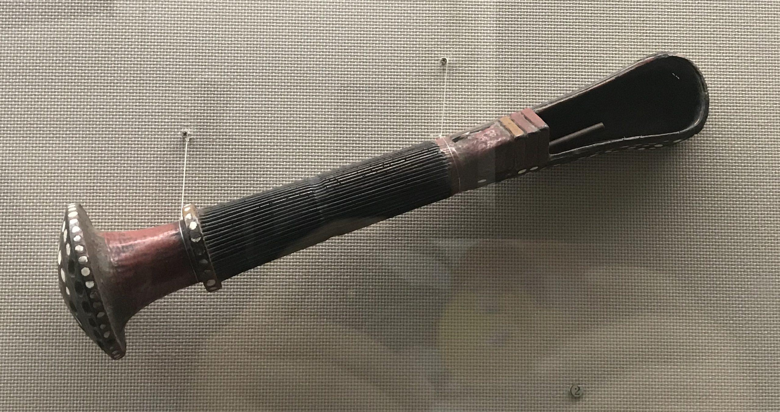 彩絵牛角号-竹箭筒-皮護臂-彜族漆器-四川民族文物館-四川博物館-成都