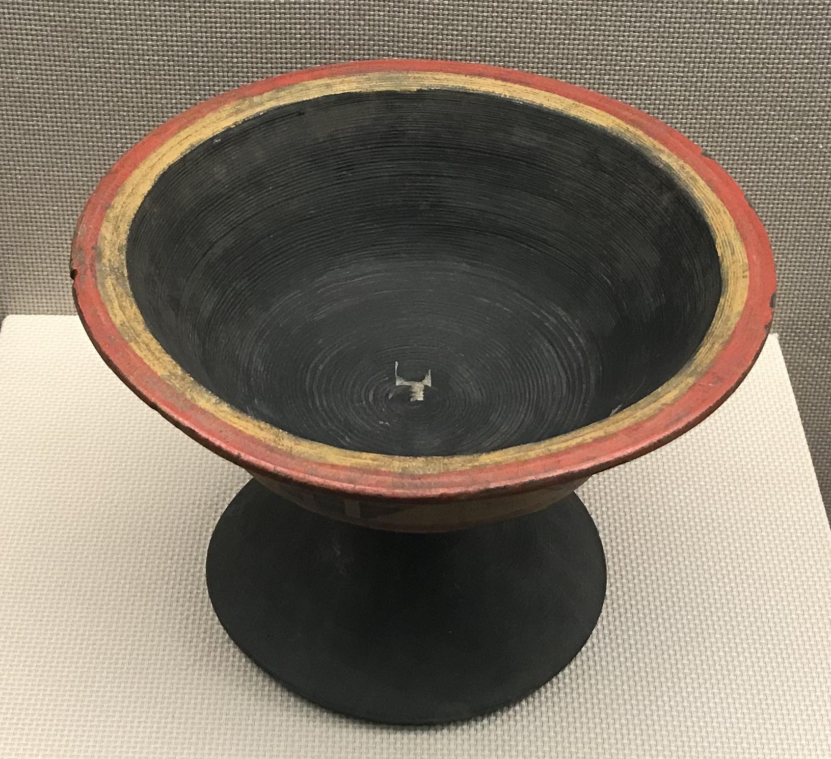 彩絵高足漆木盤-彜族漆器-四川民族文物館-四川博物館-成都