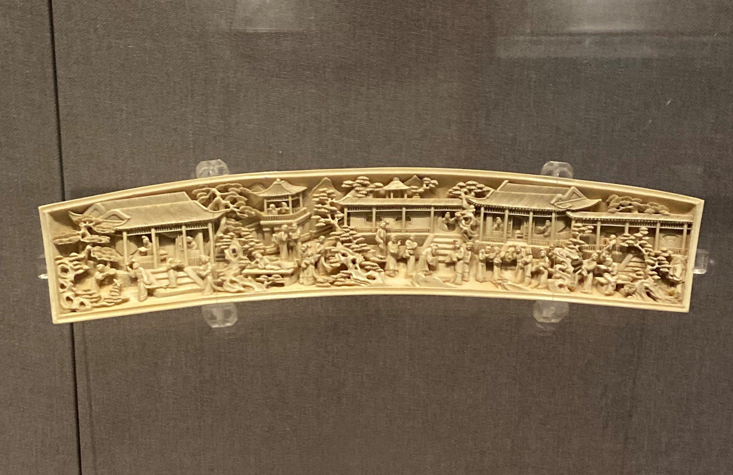 象牙彫臂擱-紅楼万夢物語-清代-工藝美術館-四川博物館-成都