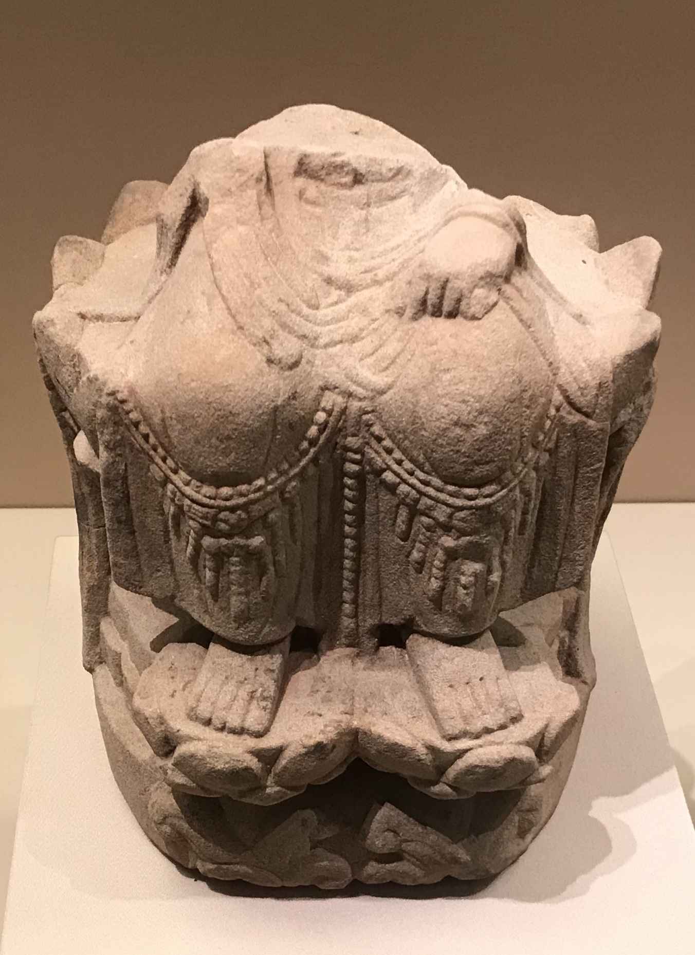 菩薩残像-五代-天下の大足-大足石刻の発見と継承-金沙遺跡博物館-成都