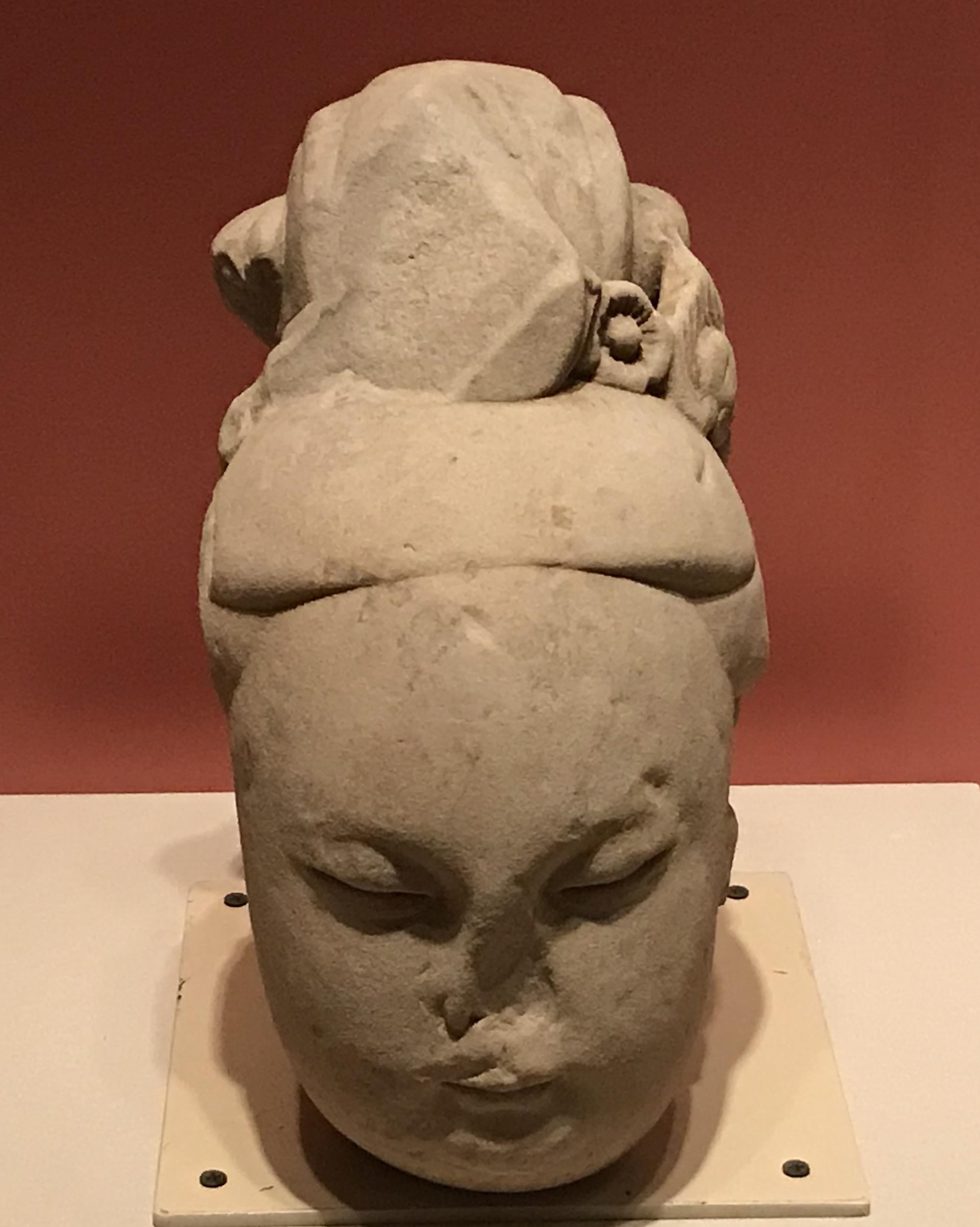 侍女頭像-明時代-天下の大足-大足石刻の発見と継承-金沙遺跡博物館-成都