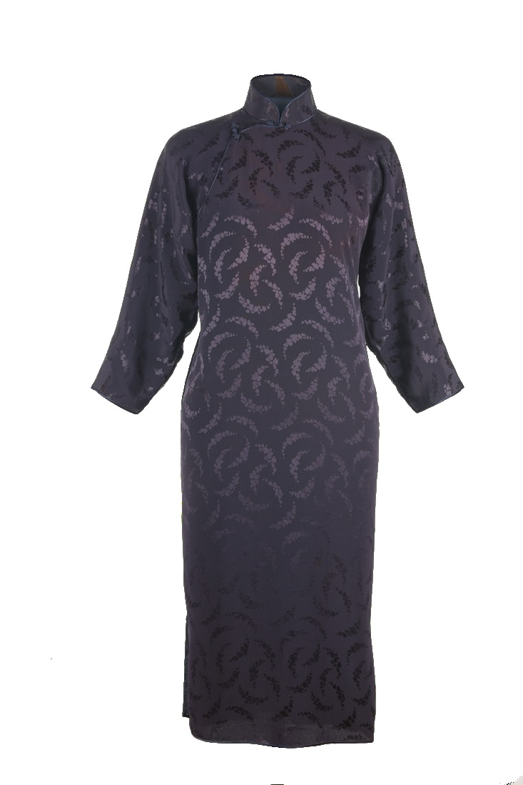 深紫色提花紋上袖夾旗袍「海上の明月、軽い裾に風を追う-江南の貴族と海派チャイナドレス」海派博物館-上海大学博物館