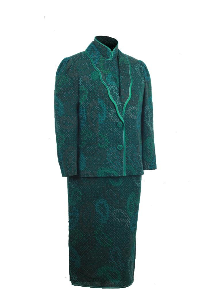 綠色薄呢印花短袖旗袍-綠色薄呢印花月牙領泡袖短裝「海上の明月、軽い裾に風を追う-江南の貴族と海派チャイナドレス」上海大学博物館-海派文化博物館