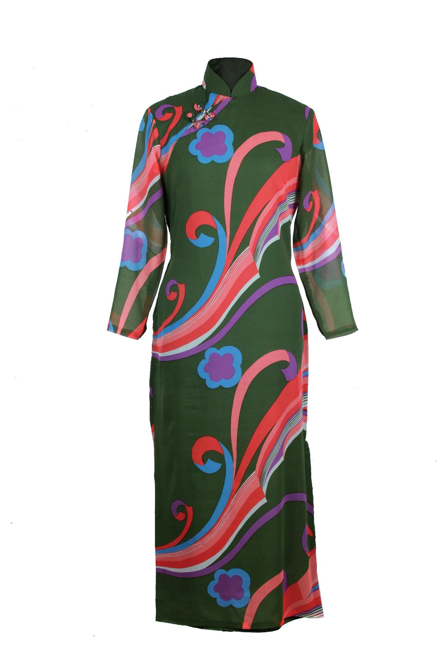 綠地印花紡長袖旗袍「海上の明月、軽い裾に風を追う-江南の貴族と海派チャイナドレス」上海大学博物館-海派文化博物館