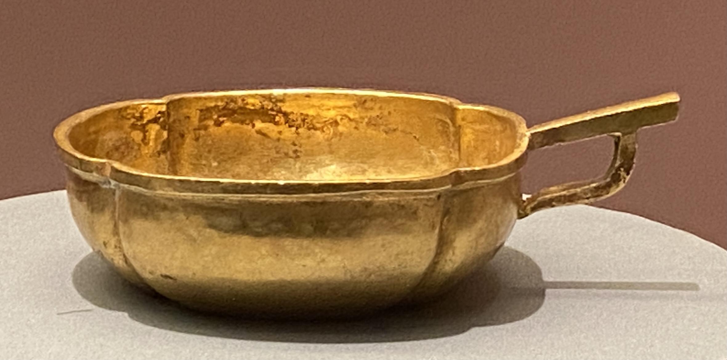 片把海棠式金杯-元時代-特別展【食味人間】四川博物院・中国国家博物館