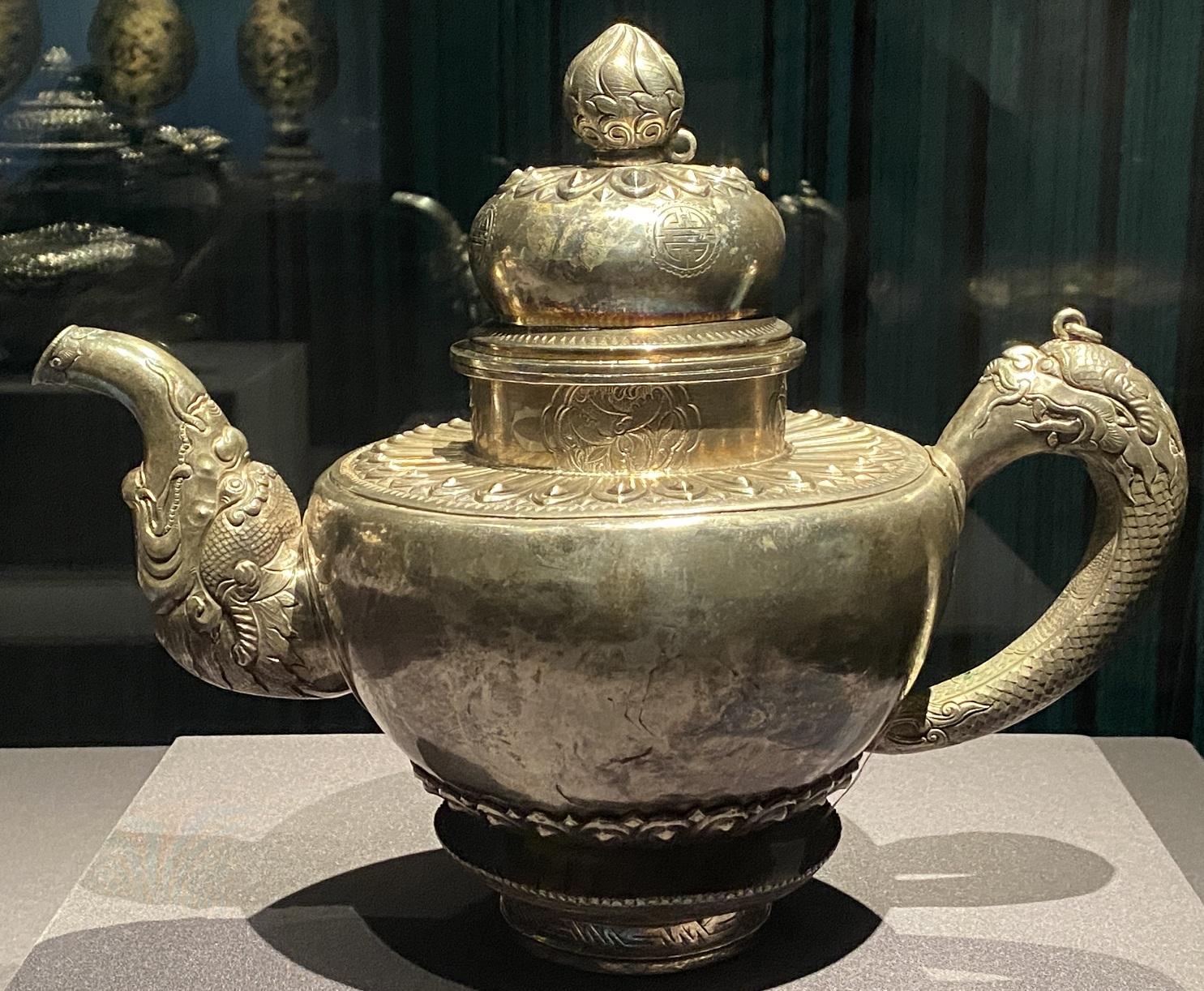 銀茶壺-特別展【七宝玲瓏-ヒマラヤからの芸術珍品】-金沙遺跡博物館-成都