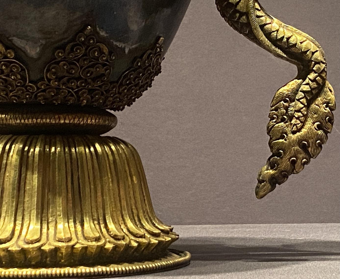 銅鎏金僧帽壺-特別展【七宝玲瓏-ヒマラヤからの芸術珍品】-金沙遺跡博物館-成都