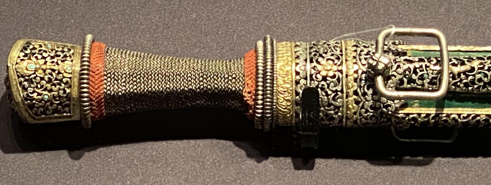 銀鎏金鞘佩刀-特別展【七宝玲瓏-ヒマラヤからの芸術珍品】-金沙遺跡博物館-成都