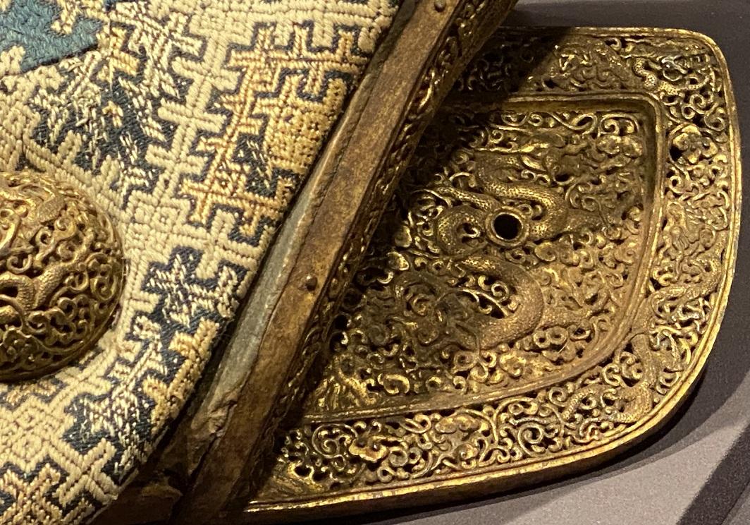 鉄鋄金鏤刻龍紋馬具-特別展【七宝玲瓏-ヒマラヤからの芸術珍品】-金沙遺跡博物館-成都