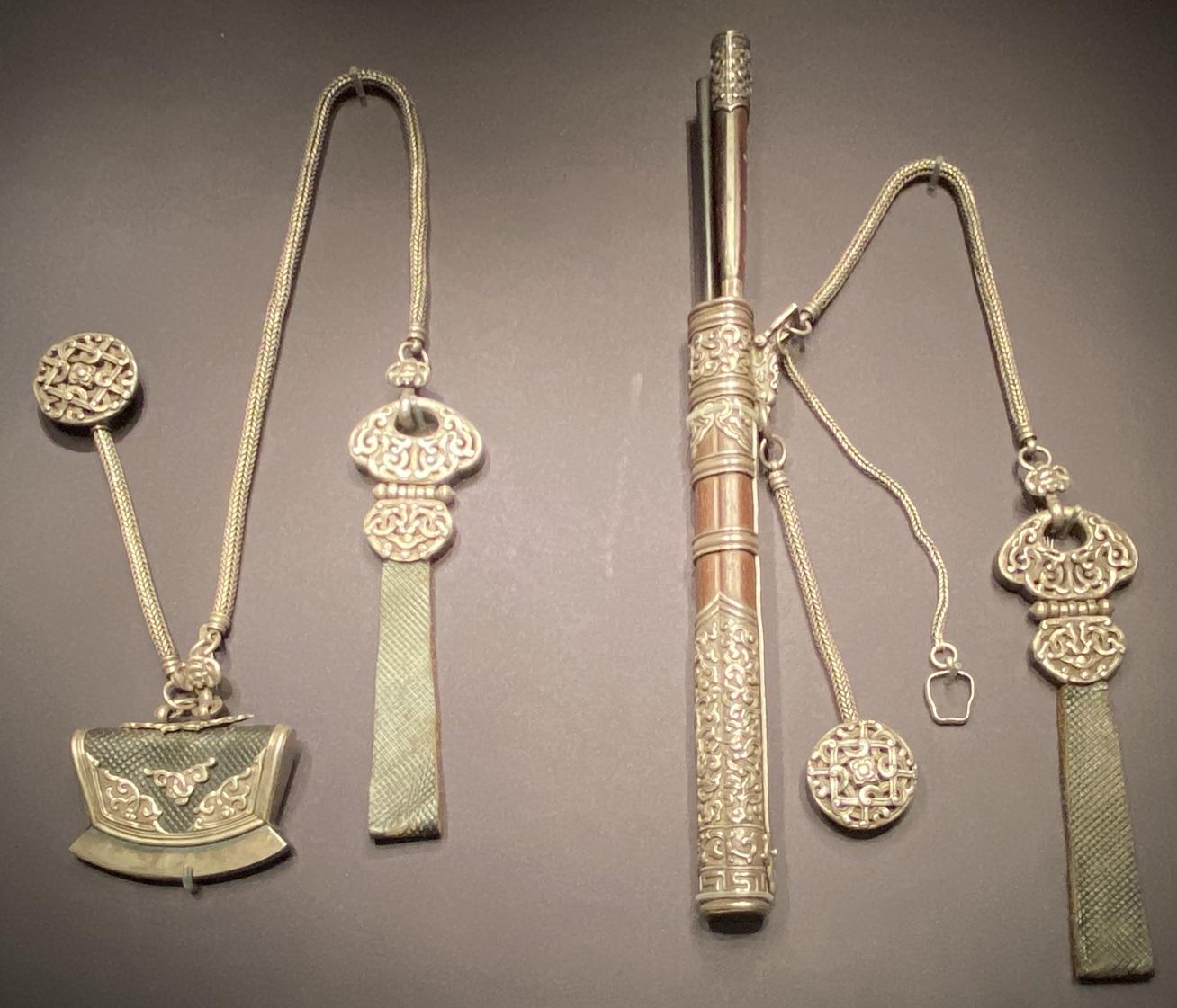 銀鏤花刀具-特別展【七宝玲瓏-ヒマラヤからの芸術珍品】-金沙遺跡博物館-成都