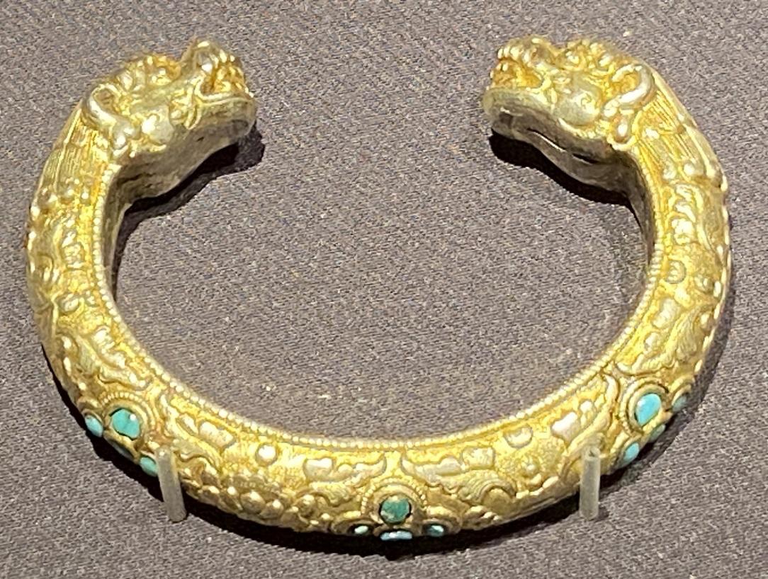銀鎏金手鐲-特別展【七宝玲瓏-ヒマラヤからの芸術珍品】-金沙遺跡博物館-成都