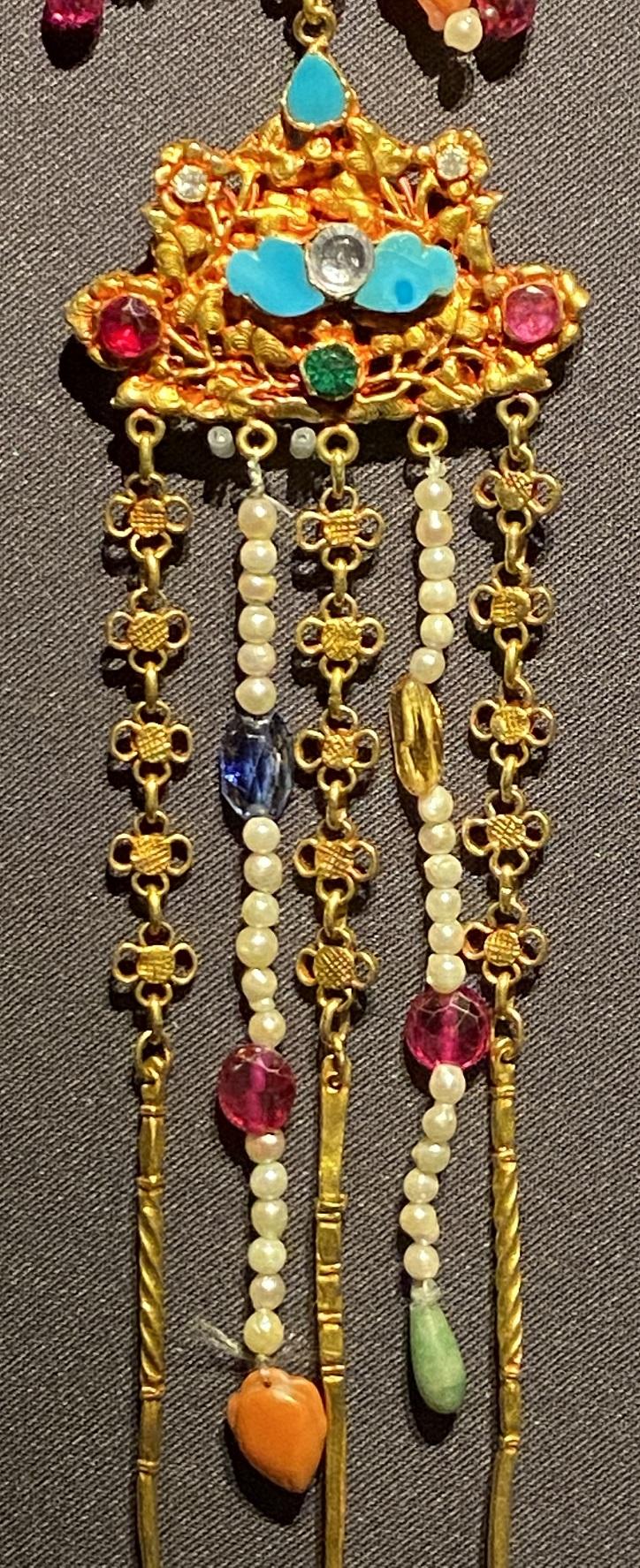 金嵌宝石女式肩飾-特別展【七宝玲瓏-ヒマラヤからの芸術珍品】-金沙遺跡博物館-成都