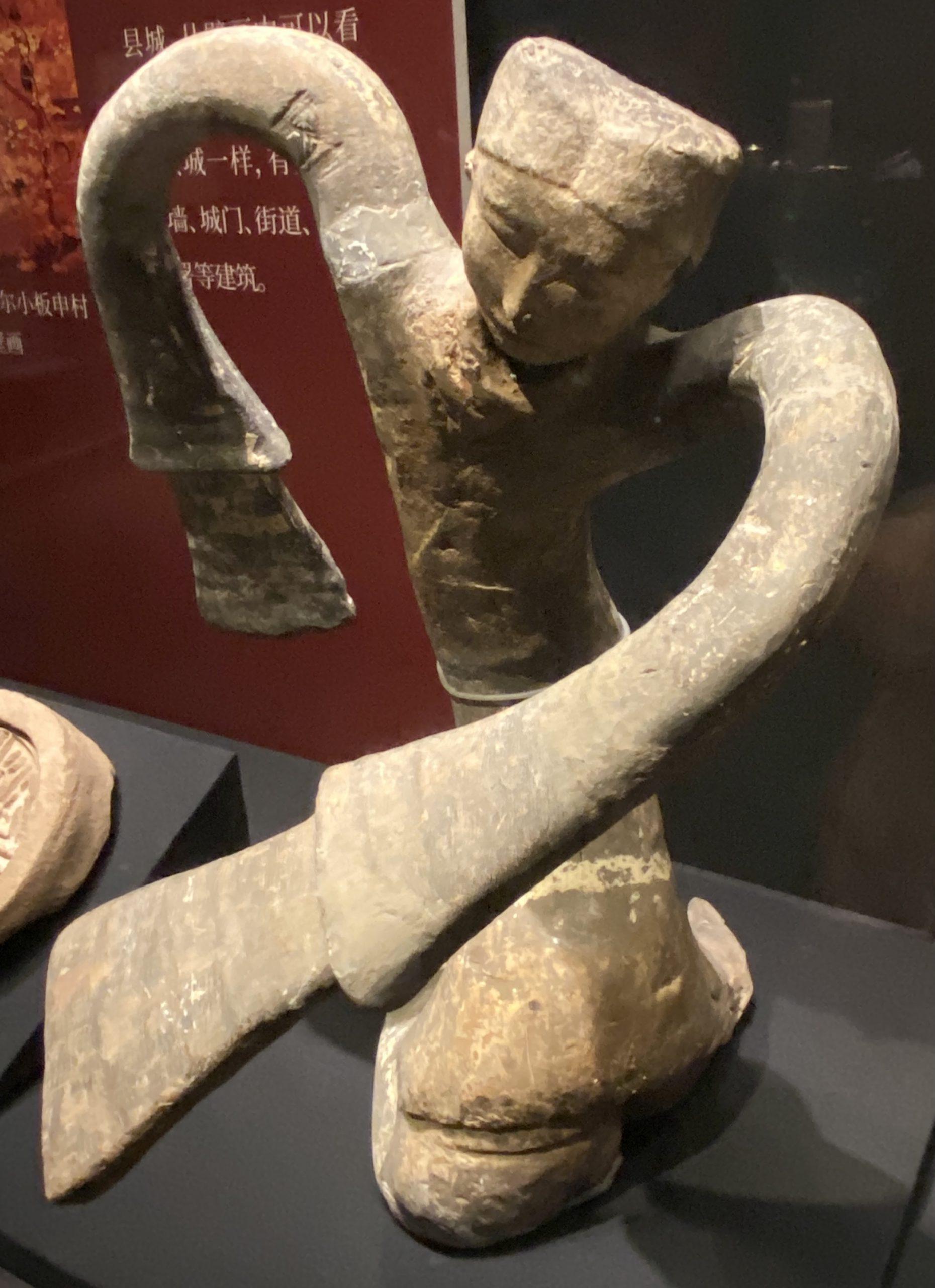 陶繞襟衣舞俑-【列備五都-秦漢時代の中国都市】-成都博物館-四川成都