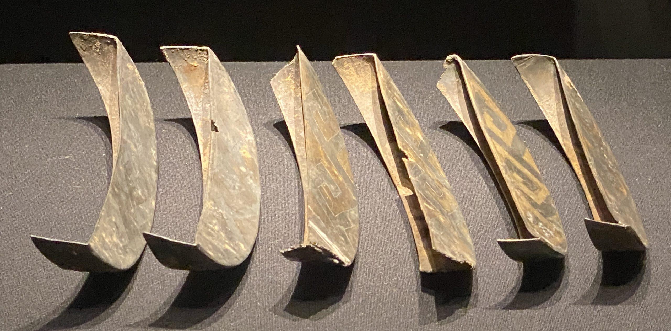 鎏金銀杯耳飾-【列備五都-秦漢時代の中国都市】-成都博物館-四川成都