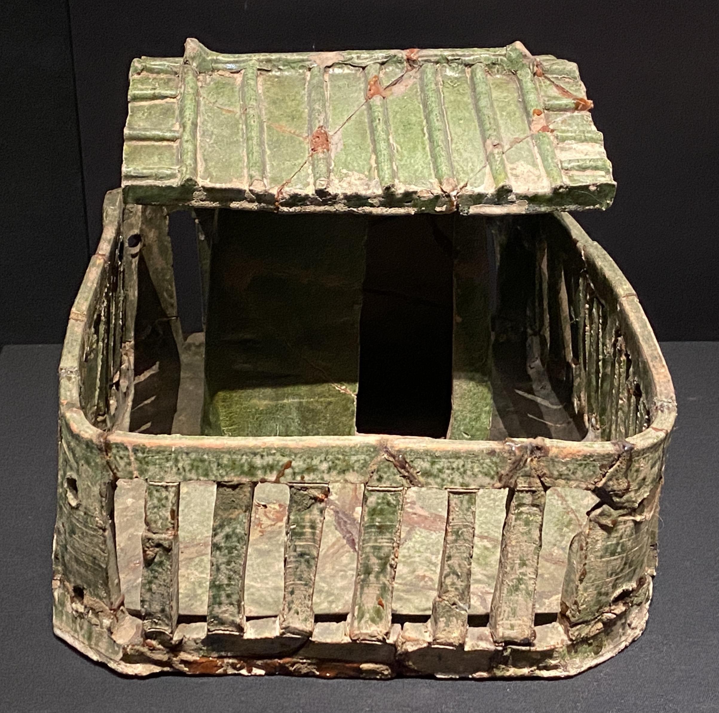 緑釉陶廁-【列備五都-秦漢時代の中国都市】-成都博物館-四川成都