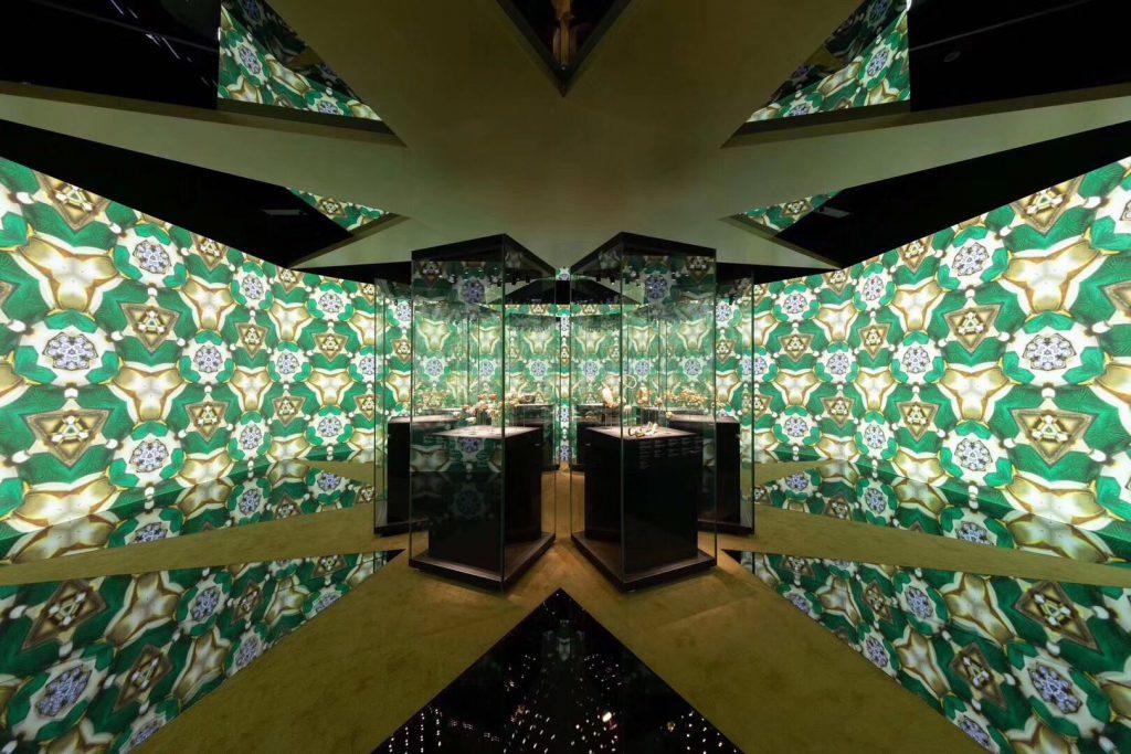 第一部serpentiform【霊蛇伝奇】芸術展-成都博物館-ブルガリ-BVLGARI