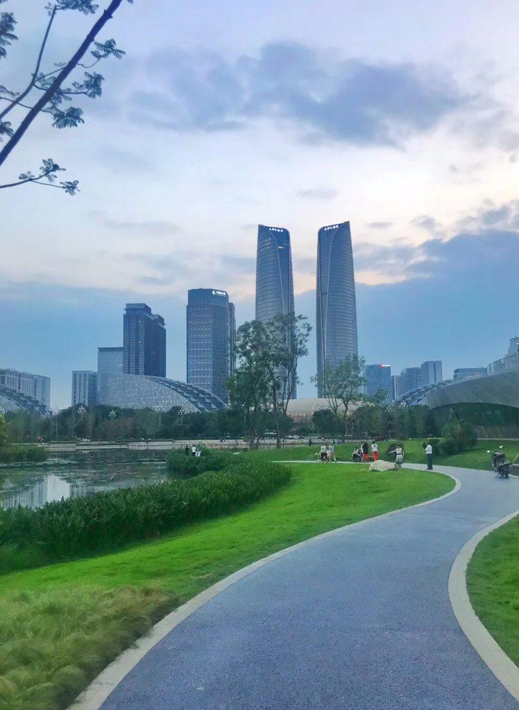 孔垂門前-金融城塔-交子公園-成都-四川