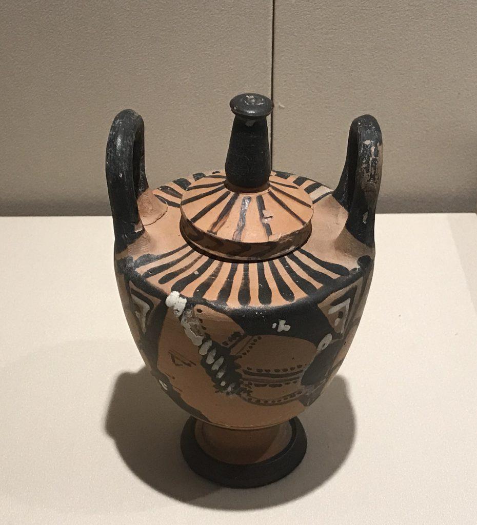 紅絵蓋つき婚礼花瓶-特別展【彩絵地中海-PAESTUM-一つ古城の文明と幻想】-四川博物院