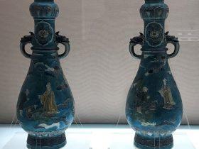 琺華人物物語紋獣耳蒜頭瓶-明代・嘉慶-陶瓷館-陶磁館-四川博物院-成都