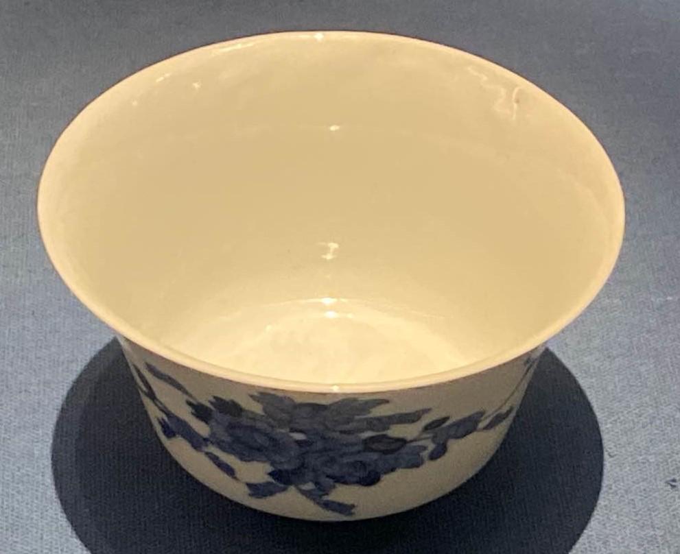 青花牡丹紋磁杯-明清時代-常設展F3-成都博物館