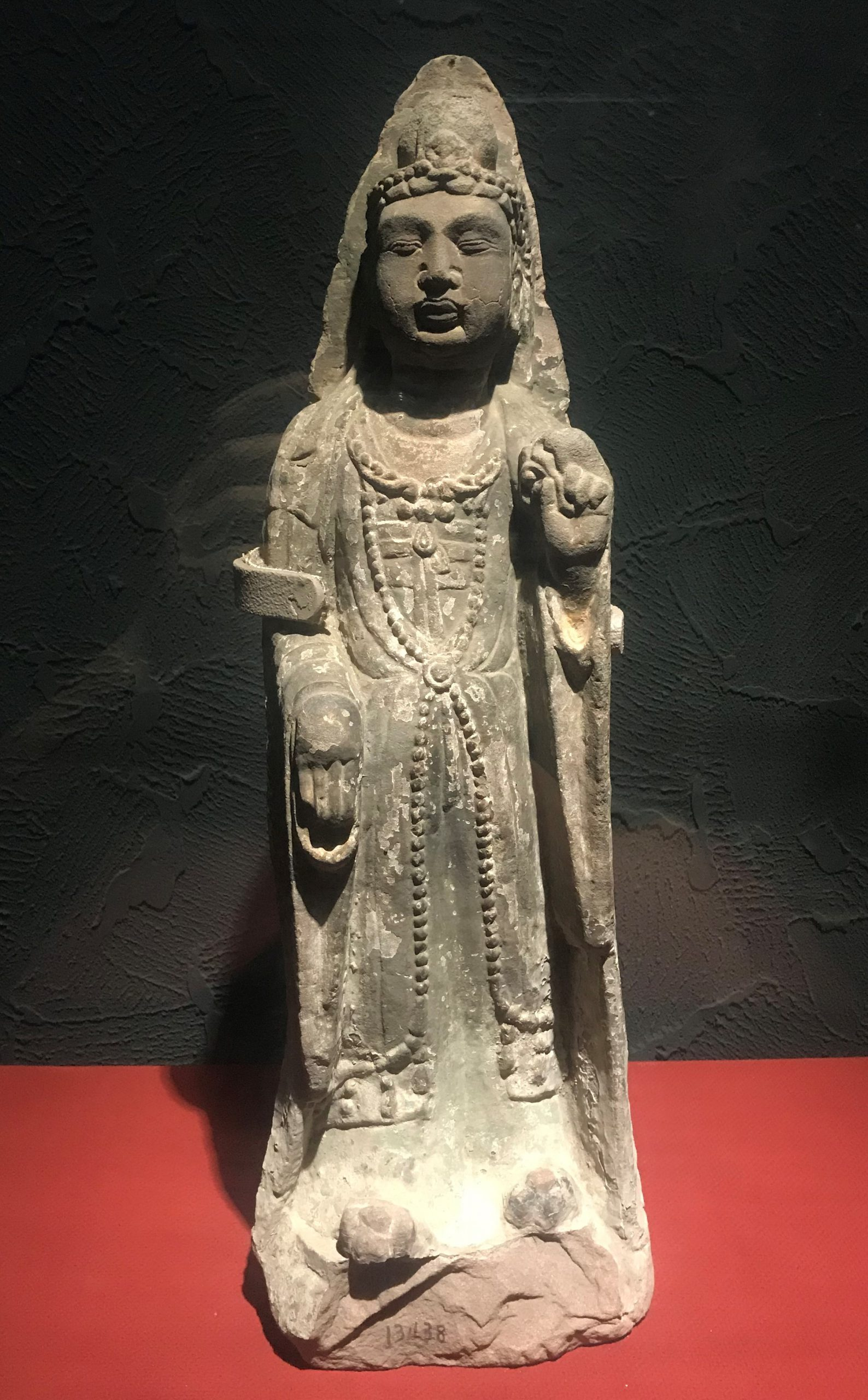 観音立像(複製品)-唐代-四川万仏寺石刻館-四川博物院-成都