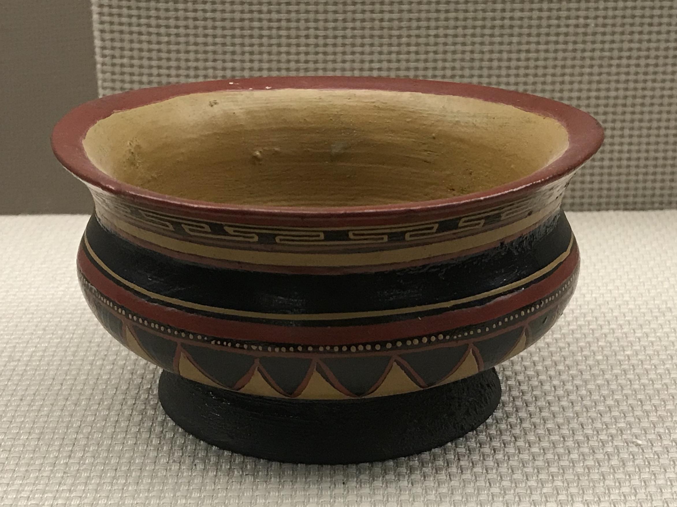彩絵反口大杜漆碗-彜族漆器-四川民族文物館-四川博物館-成都