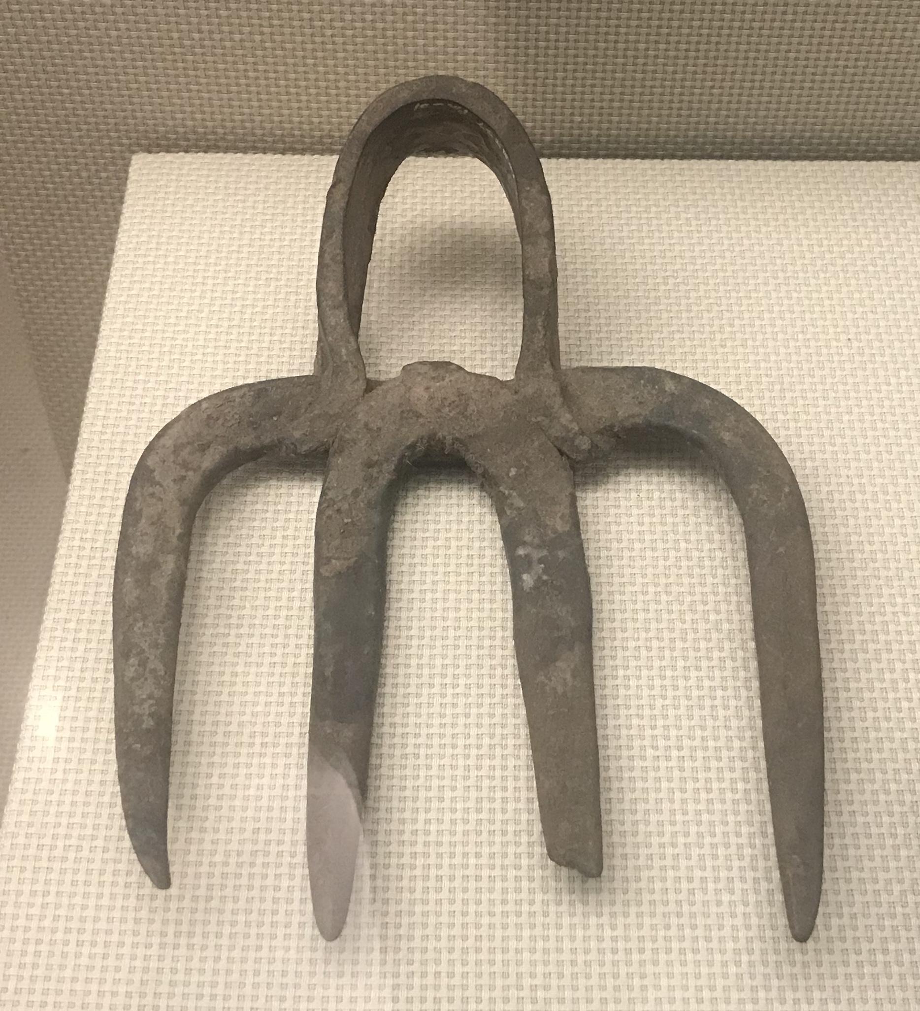 四歯鉄耙-彜族工具-四川民族文物館-四川博物館-成都