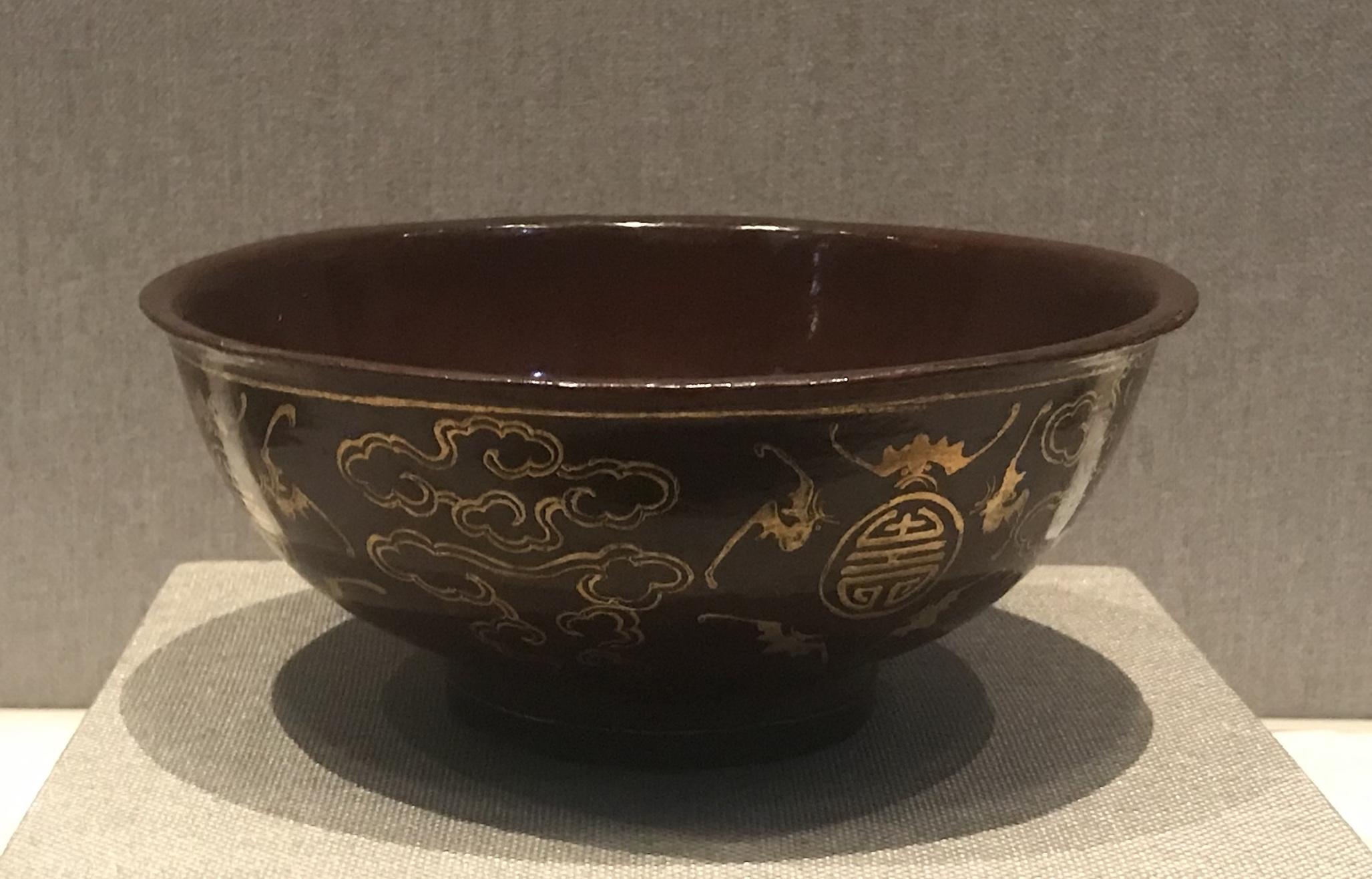 紫漆描金五蝠棒寿圓盤-漆器-清時代-工藝美術館館-四川博物館-成都